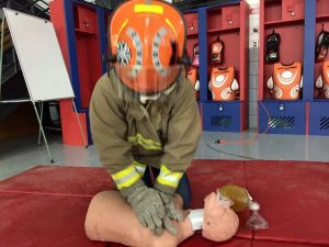 administer cpr